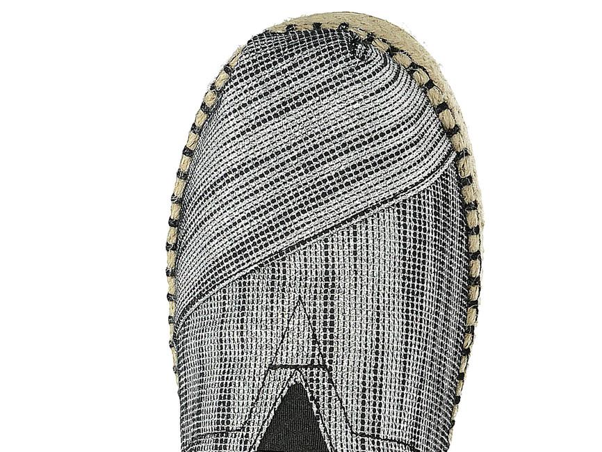 Toms dámske vzorované espadrilky - striebornočierne