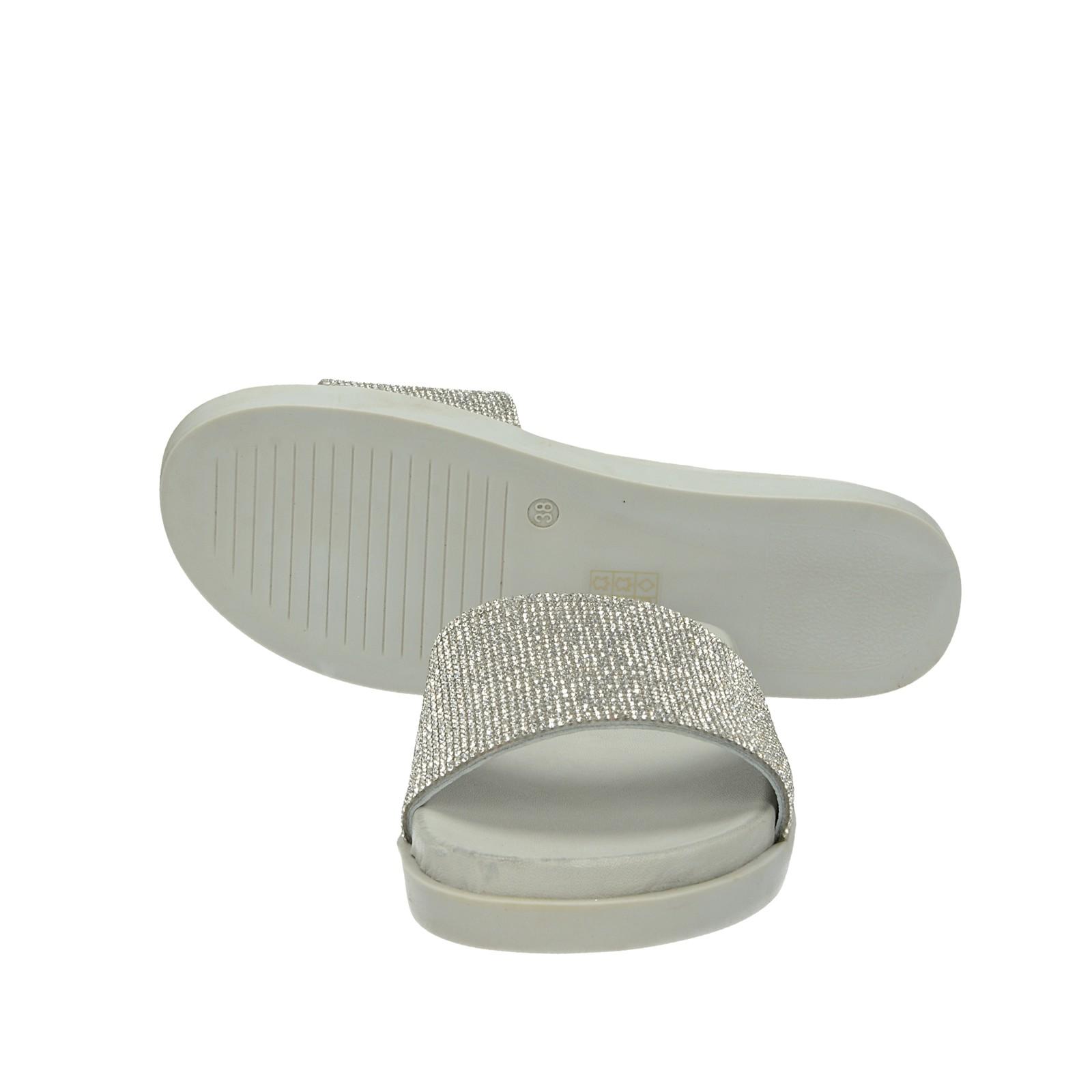 Inuovo dámske elegantné šľapky s ozdobnými kamienkami - strieborné