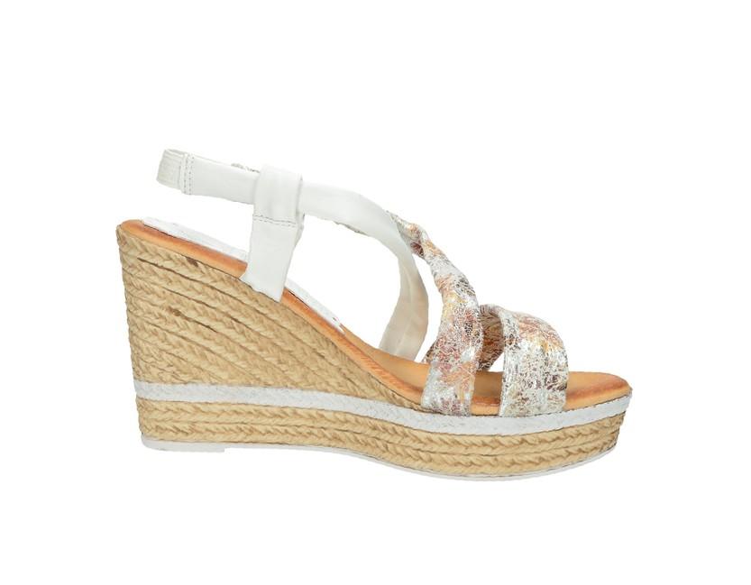 de5b3332f1 ... Marila dámske letné sandále na klinovej podrážke - biele ...