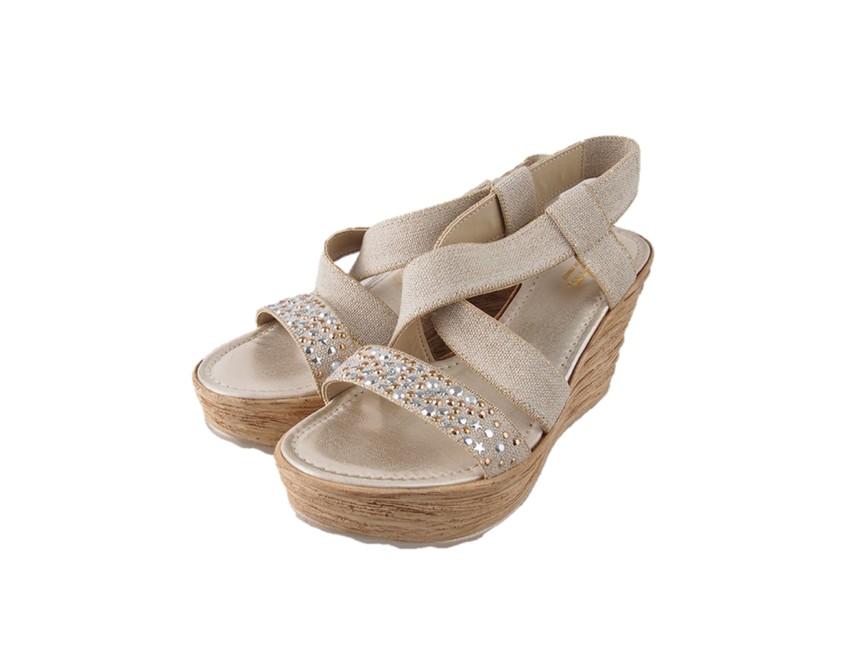 6732a324f507 Cerutti dámske sandále na platforme - béžové ...