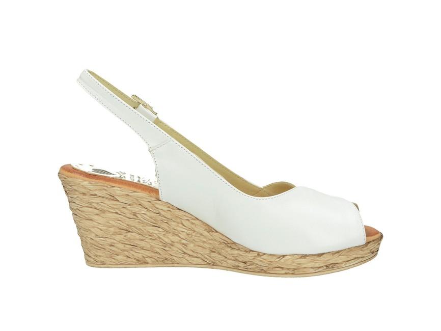01c6279aae71 ... Marila dámske elegantné sandále na klinovej podražke - biele ...