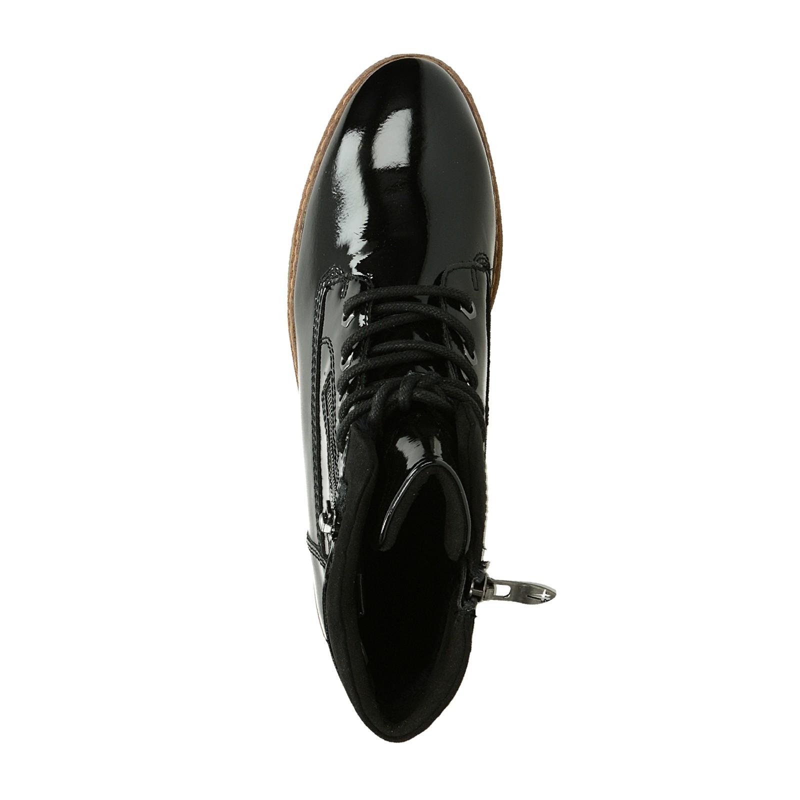 369f6a015f61 Tamaris dámske lesklé nízke čižmy na klinovej podrážke - čierne ...