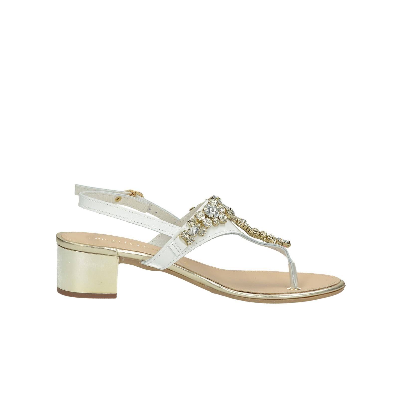 Prativerdi dámske elegantné sandále s ozdobnými kamienkami - biele