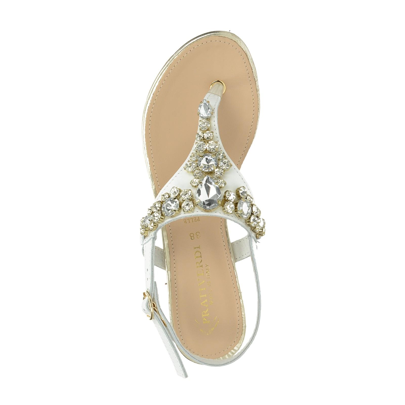 4b121e1422bec Prativerdi dámske elegantné sandále s ozdobnými kamienkami - biele ...