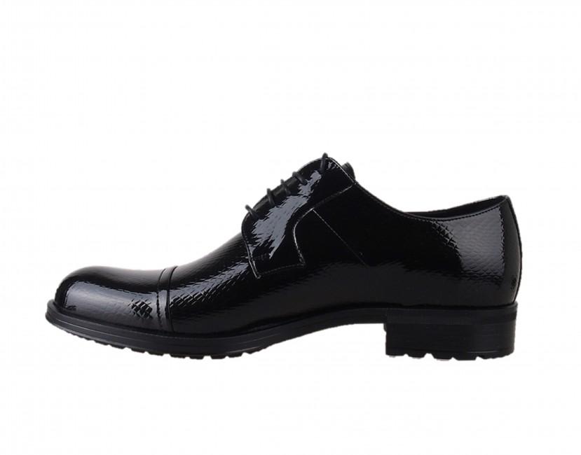 1c732ac8576a ... Conhpol pánske extravagantné topánky - čierne ...