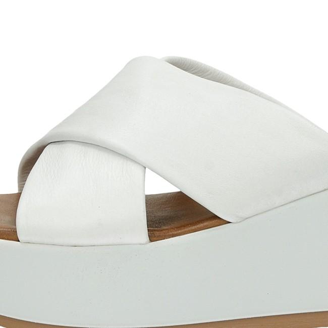 a2ba4203973d ... Inuovo dámske elegantné šľapky na klinovej podrážke - biele ...