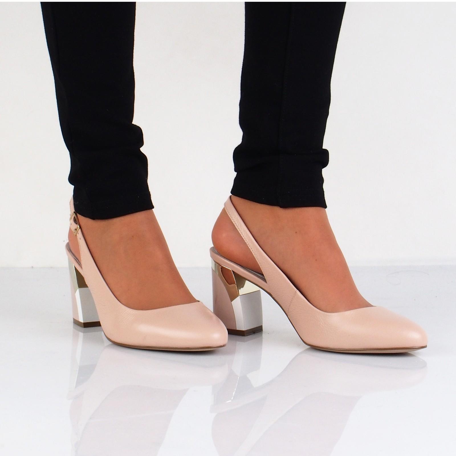 bb83f42e9e04 Olivia shoes dámske kožené sandále s remienkom - béžové ...
