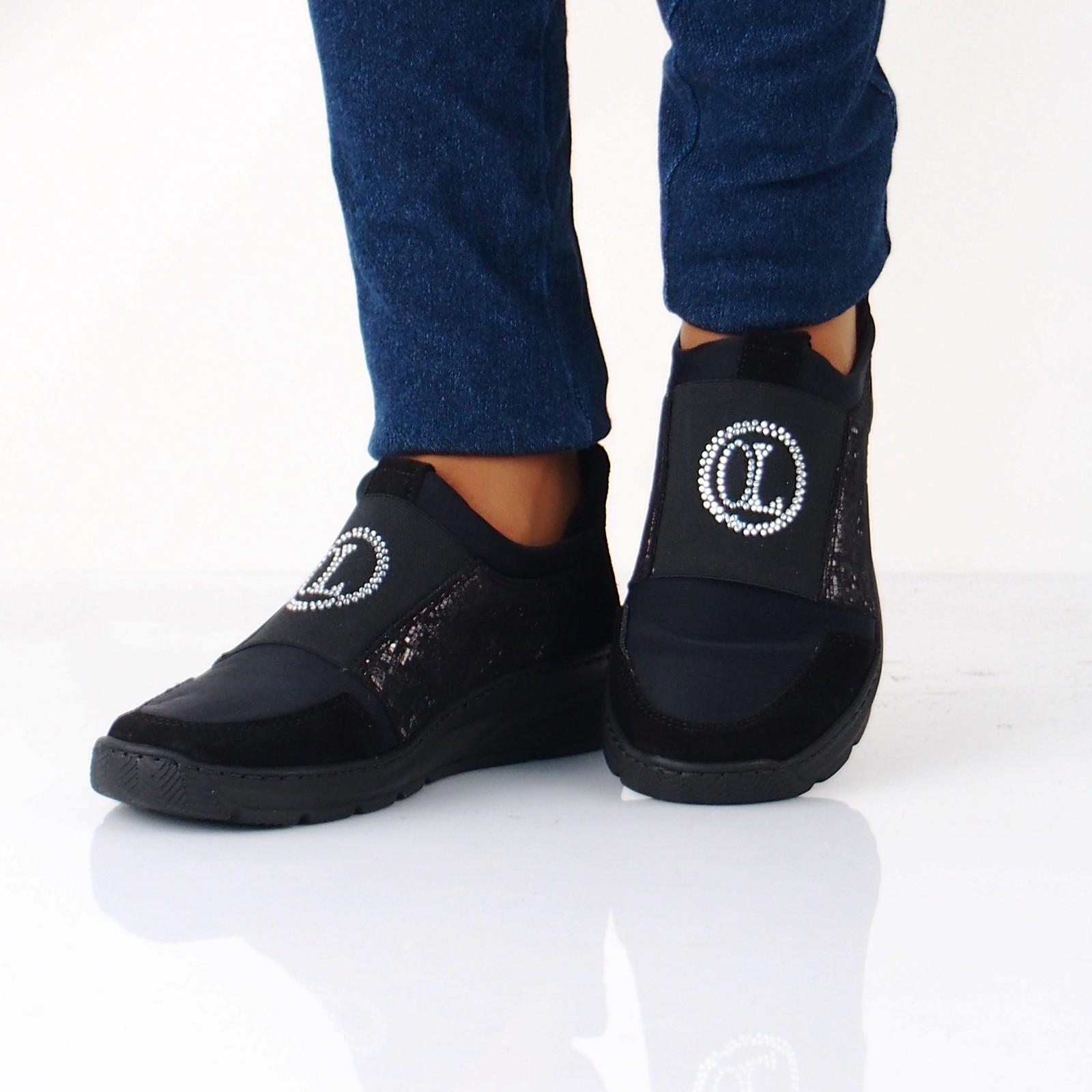 4aca299320bd Olivia shoes dámske tenisky s ozdobnými kamienkami - čierne ...
