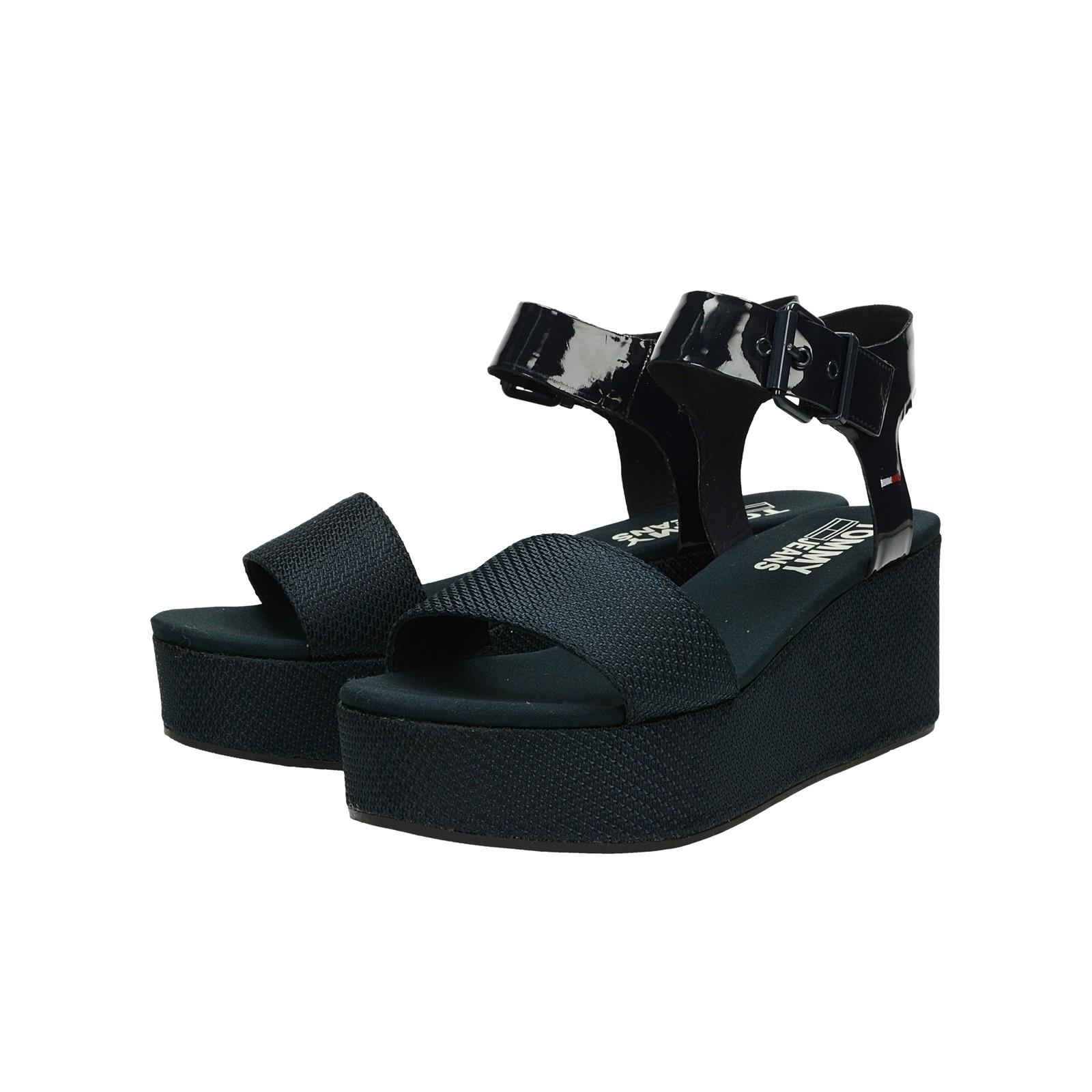 72384a6089 Tommy Hilfiger dámske pohodlné sandále na klinovej podrážke - tmavomodré ...