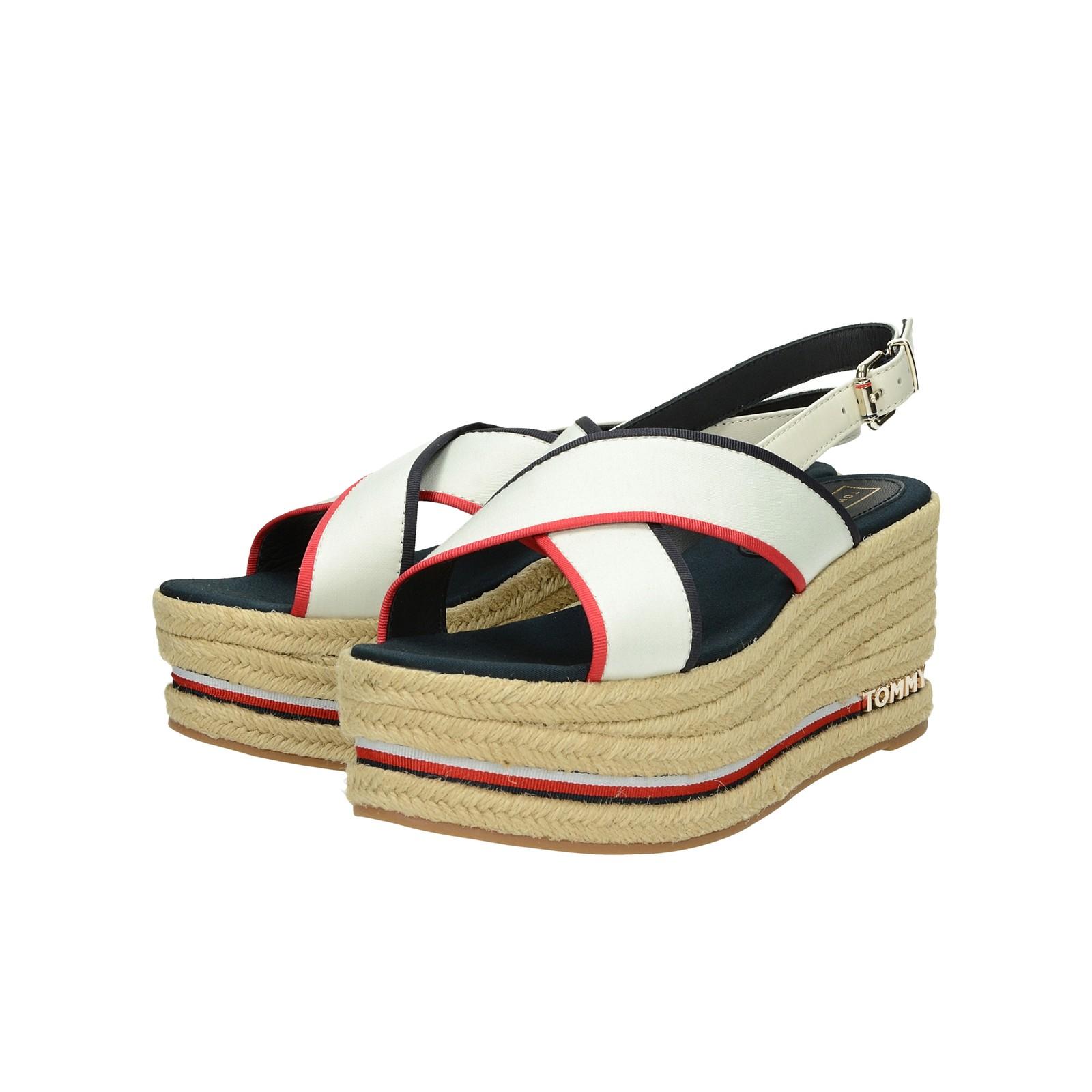 cd46ad681a Tommy Hilfiger dámske štýlové sandále na klinovej podrážke - biele ...