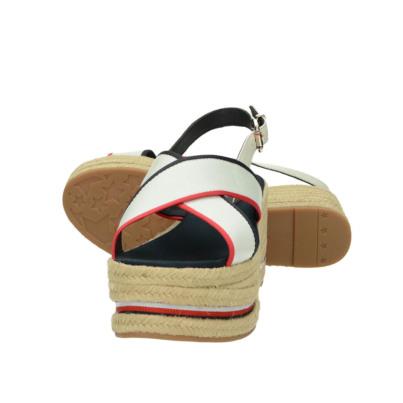 5164a83f6 ... Tommy Hilfiger dámske štýlové sandále na klinovej podrážke - biele ...