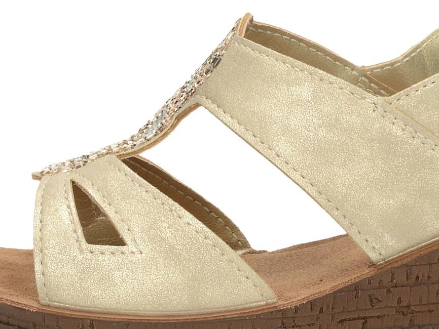 58e96028ddaf ... Inblu dámske letné sandále s ozdobnými prvkami - zlaté ...
