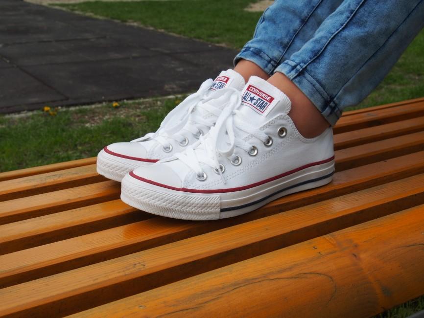 247c7f538a ... Converse dámske štýlové tenisky - biele ...