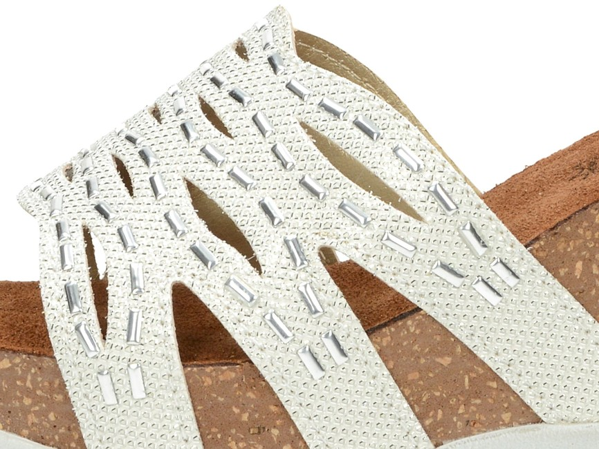 78ba5ebd76af ... Inblu dámske luxusné šľapky s ozdobnými prvkami - strieborné ...