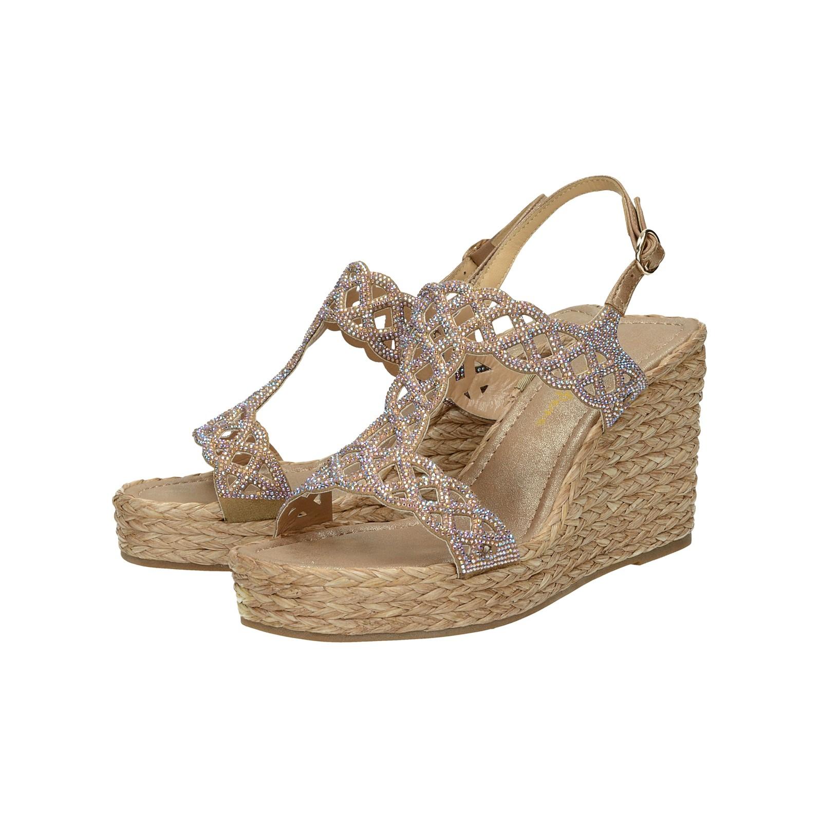 d17e5a91dc58 Alma en Pena dámske štýlové sandále s ozdobnými kamienkami - béžové ...