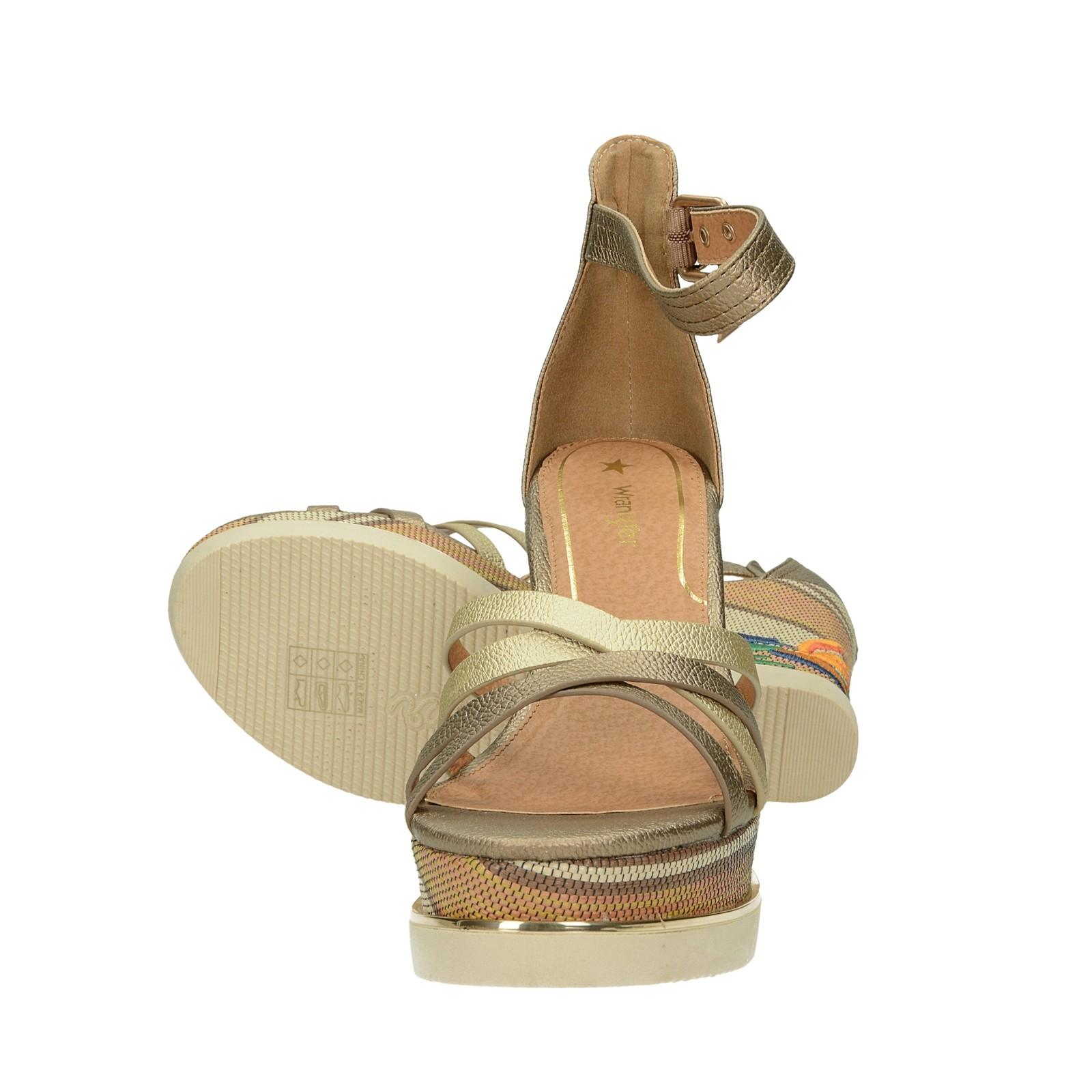 3578f7a97d6a ... Wrangler dámske štýlové vysoké sandále na klinovej podrážke - zlaté ...