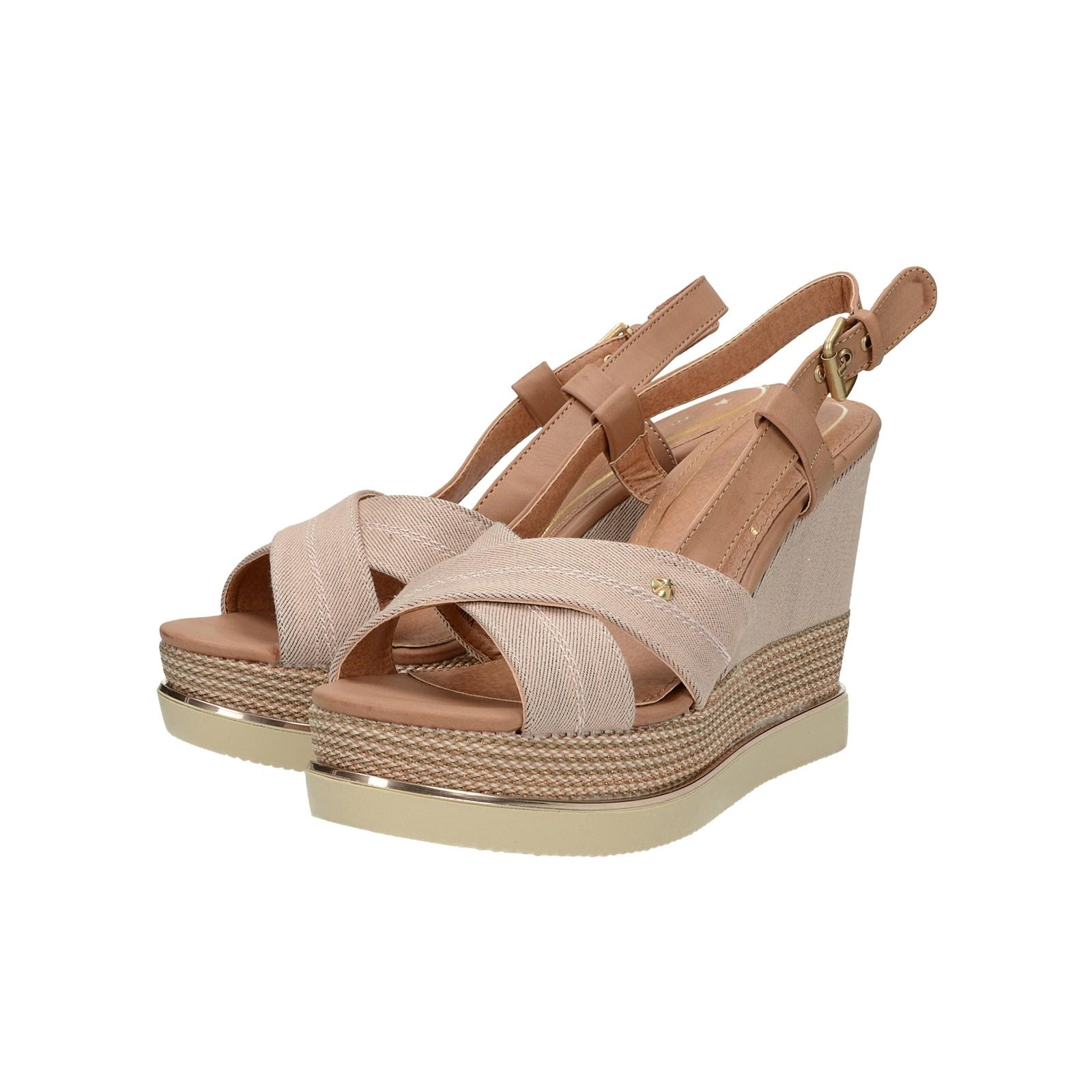 6e0a0a5b7c44 Wrangler dámske štýlové sandále na klinovej podrážke - ružové ...
