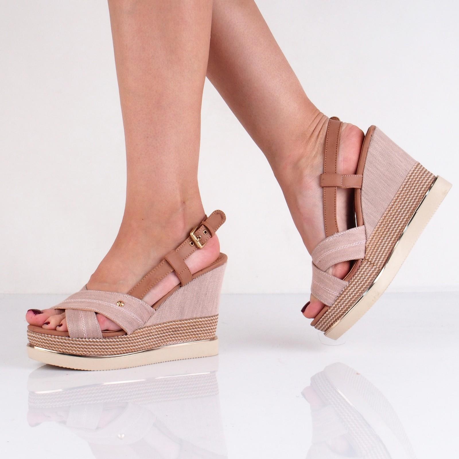 6d5cf8d0a80ab Wrangler dámske štýlové sandále na klinovej podrážke - ružové ...