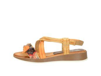 Marila dámske pohodlné sandále s ozdobnými prvkami - oranžové