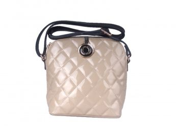 Pabia dámska lakovaná prešívaná kabelka - béžová 09c5d51a091