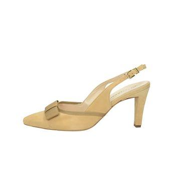54d8568a7216 Peter Kaiser dámske semišové sandále na podpätku - béžové