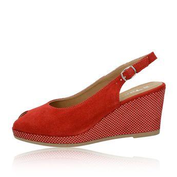 6fa20fa80133 Tamaris dámske semišové sandále na klinovej podrážke - červené