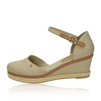 1413121657 Tommy Hilfiger dámske pohodlné sandále - béžové