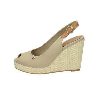 Tommy Hilfiger dámske štýlové sandále - béžové 7566e86864e