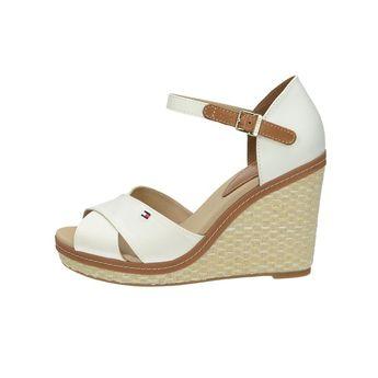 Tommy Hilfiger dámske štýlové sandále na klinovej podrážke - biele a08fc75ab0a