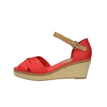 Tommy Hilfiger dámske štýlové sandále na klinovej podrážke - červené 60a5cd6c849