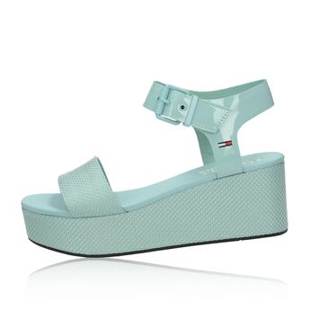 Tommy Hilfiger dámske štýlové sandále na klinovej podrážke - slabomodré