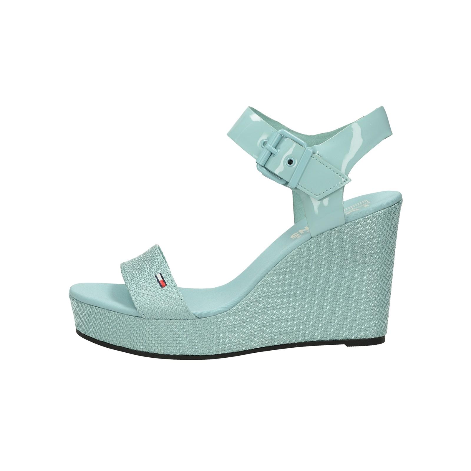 e6c6d03882 ... Tommy Hilfiger dámske štýlové sandále na klinovej podrážke - slabomodré  ...