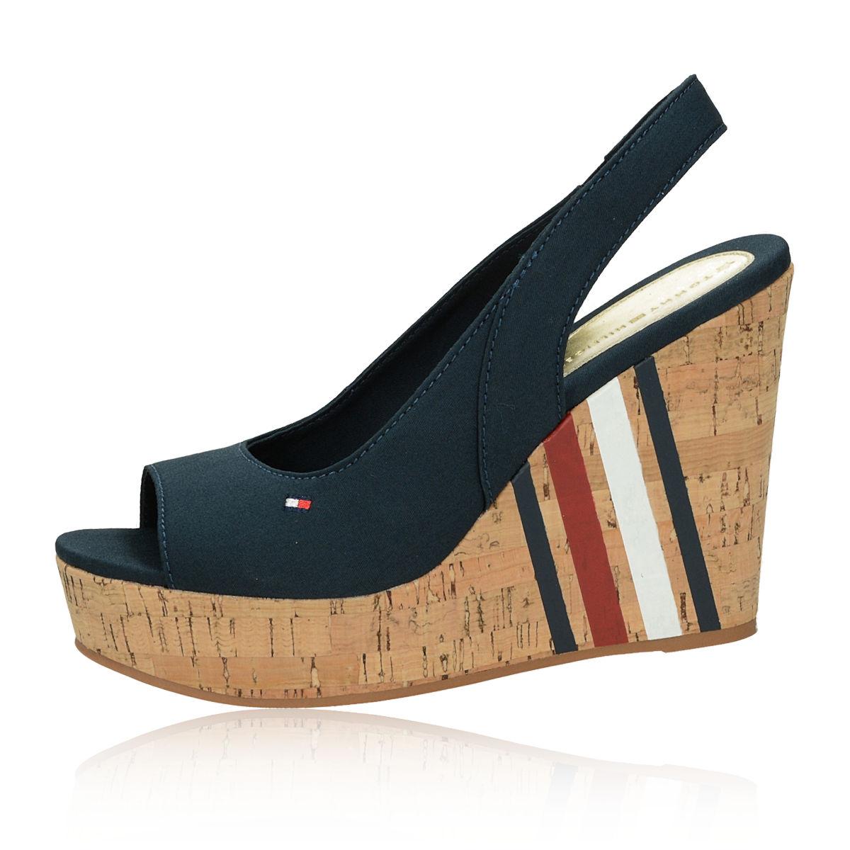 e5efdee30e ... Tommy Hilfiger dámske štýlové sandále na klinovej podrážke - tmavomodré  ...